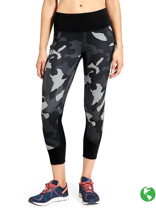 Athleta Camo Relay Capri 2.0 Black