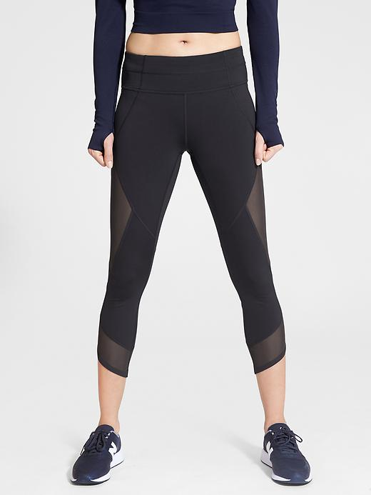 Athleta Aura Sonar Capri Black