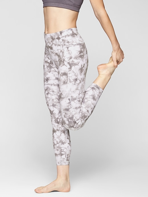 Athleta Tie Dye Salutation 7/8 Tights Silver Bells