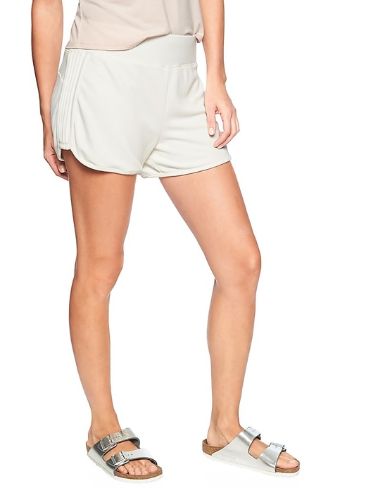 Athleta Womens Serenity Shortie
