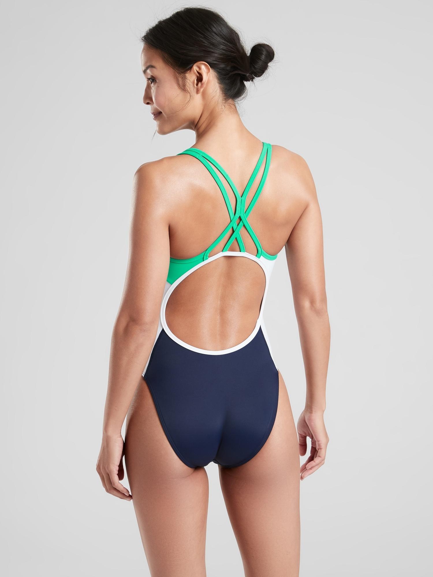 Navy SIZE M        #778114 N0413 NWT Athleta Colorblock Tri-ssential Swim Capri