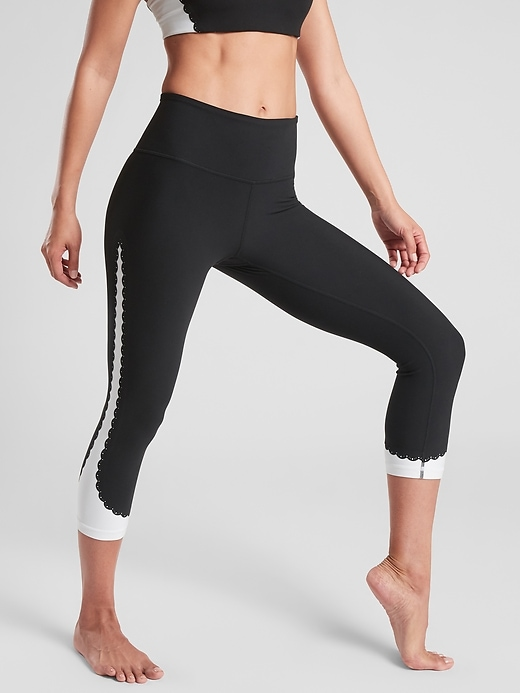Elation Scallop Capri In Powervita Athleta