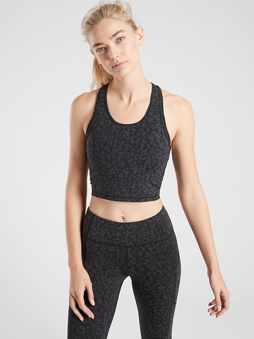 Lightning Reflective Crop Tank in Supersonic